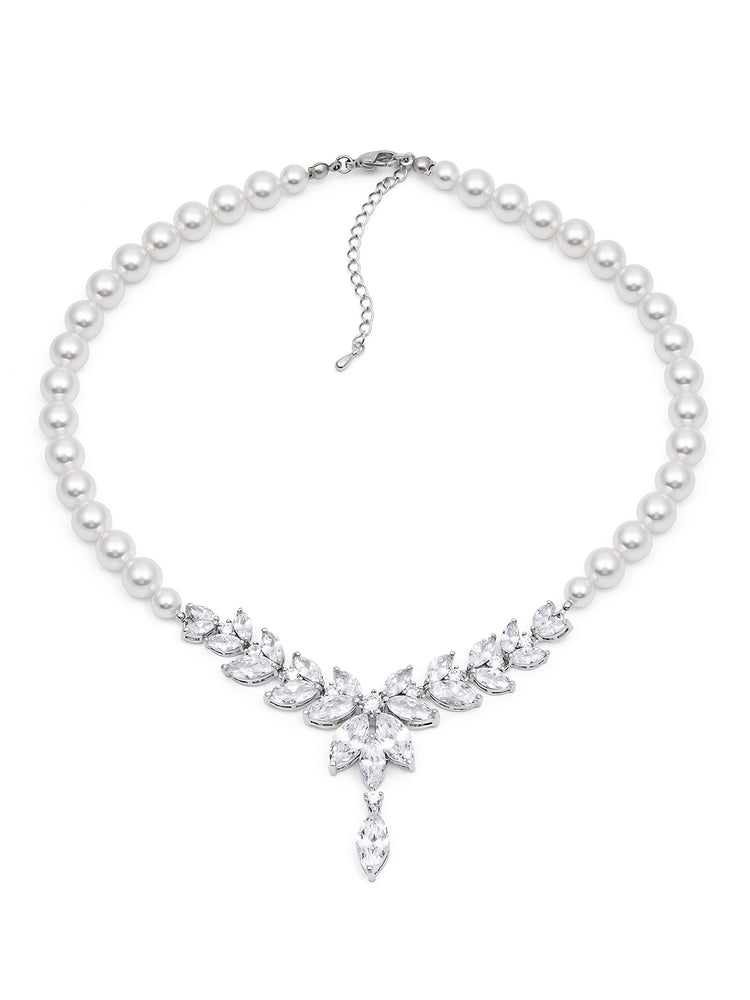 Eliana Pearl Necklace