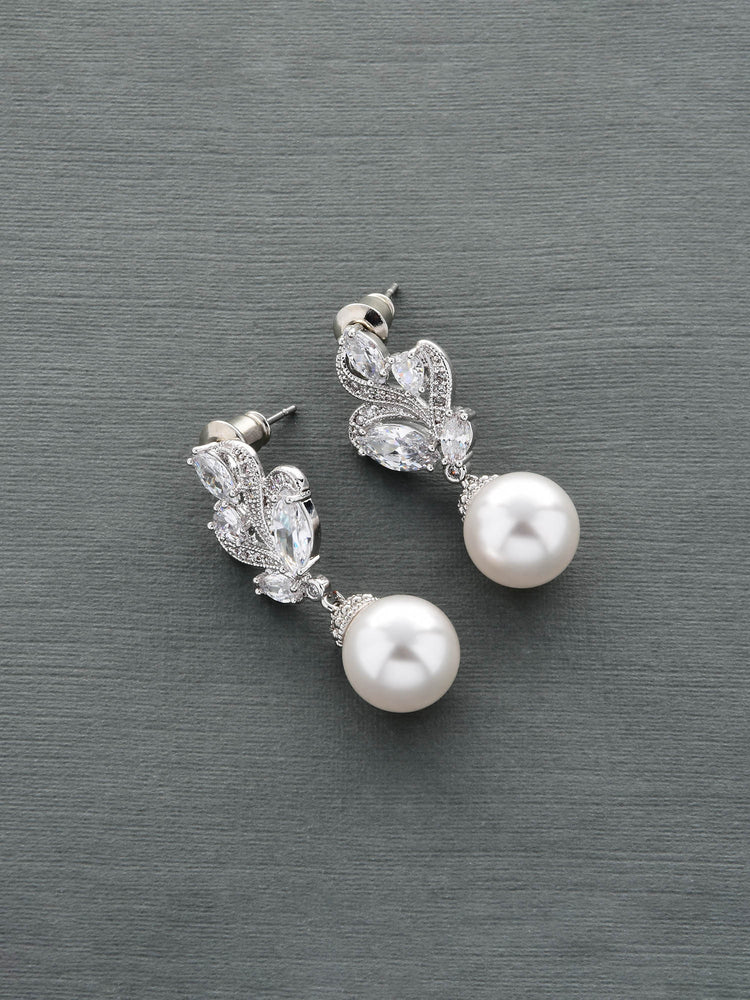 Nessa Pearl Earrings