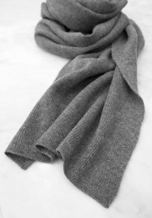 Classic Ribbed Scarf in Medium Grey - Christmas Gift Ideas - 100% Cashmere