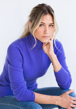 Fitted Womens Cashmere Turtleneck in Lavender