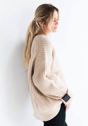 Cashmere Oversized Chunky Ribbed Sweater in Light Natural