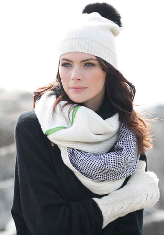 Cashmere Snood with patterned Lining and Zipper