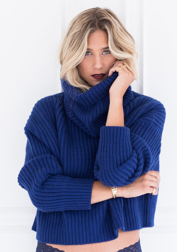 Chunky Oversized Cowl, Cashmere in Royal Blue