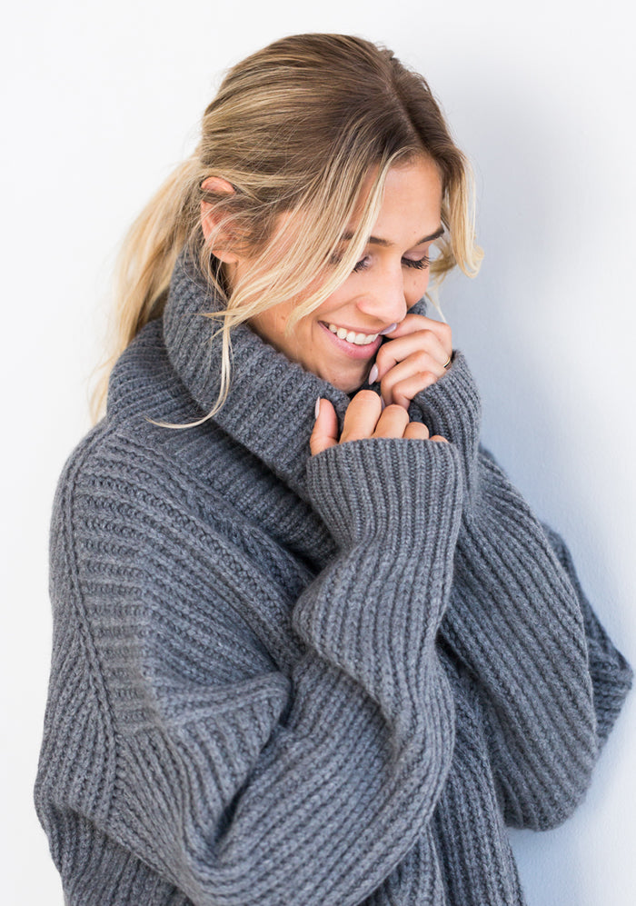 Heavy Ribbed Sweater with Cowl - Grey