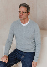 Men's Cashmere V-Neck, Light Grey