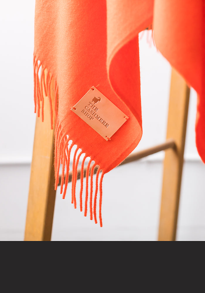 CASHMERE BLANKET WITH FRINGE, ORANGE