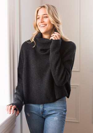 BOYFRIEND RIBBED CROPPED COWL - CHARCOAL