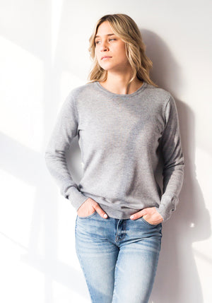 Fitted Women's Cashmere Round - Light Grey