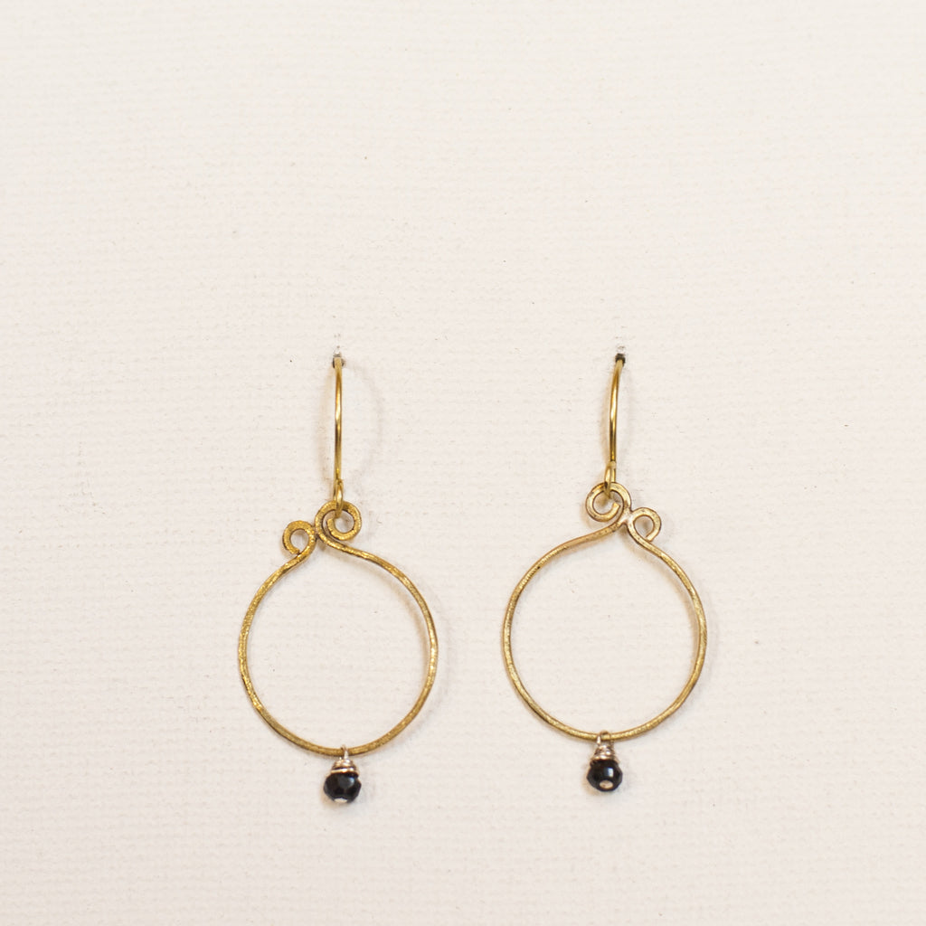 Simplicity mini brass earrings