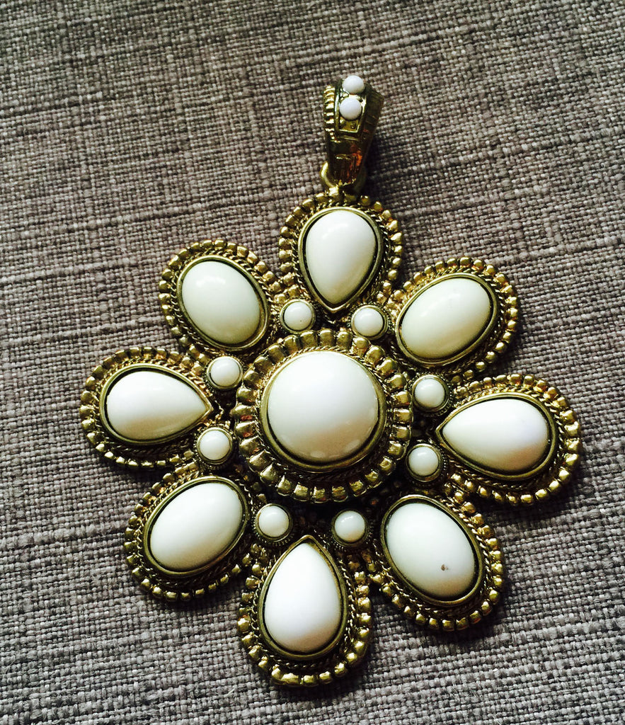 Groovy 70's look pendant or amulet