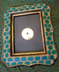 Funky yellow and turquoise frame