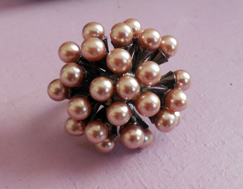 Pearl-like cocktail ring