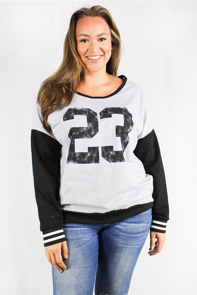 long sleeve knit printed crew neck top