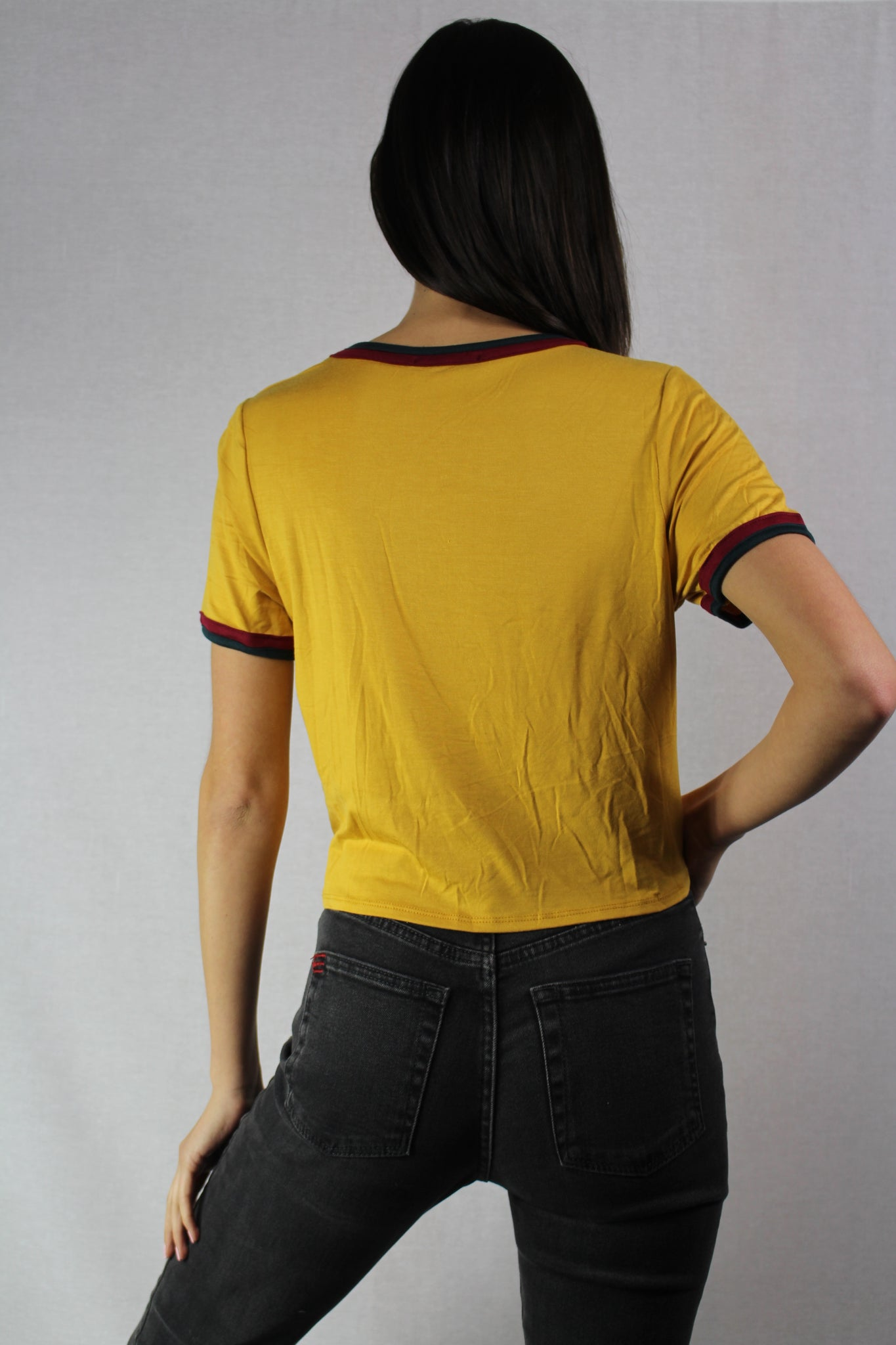short sleeve cropped top with two tone trim