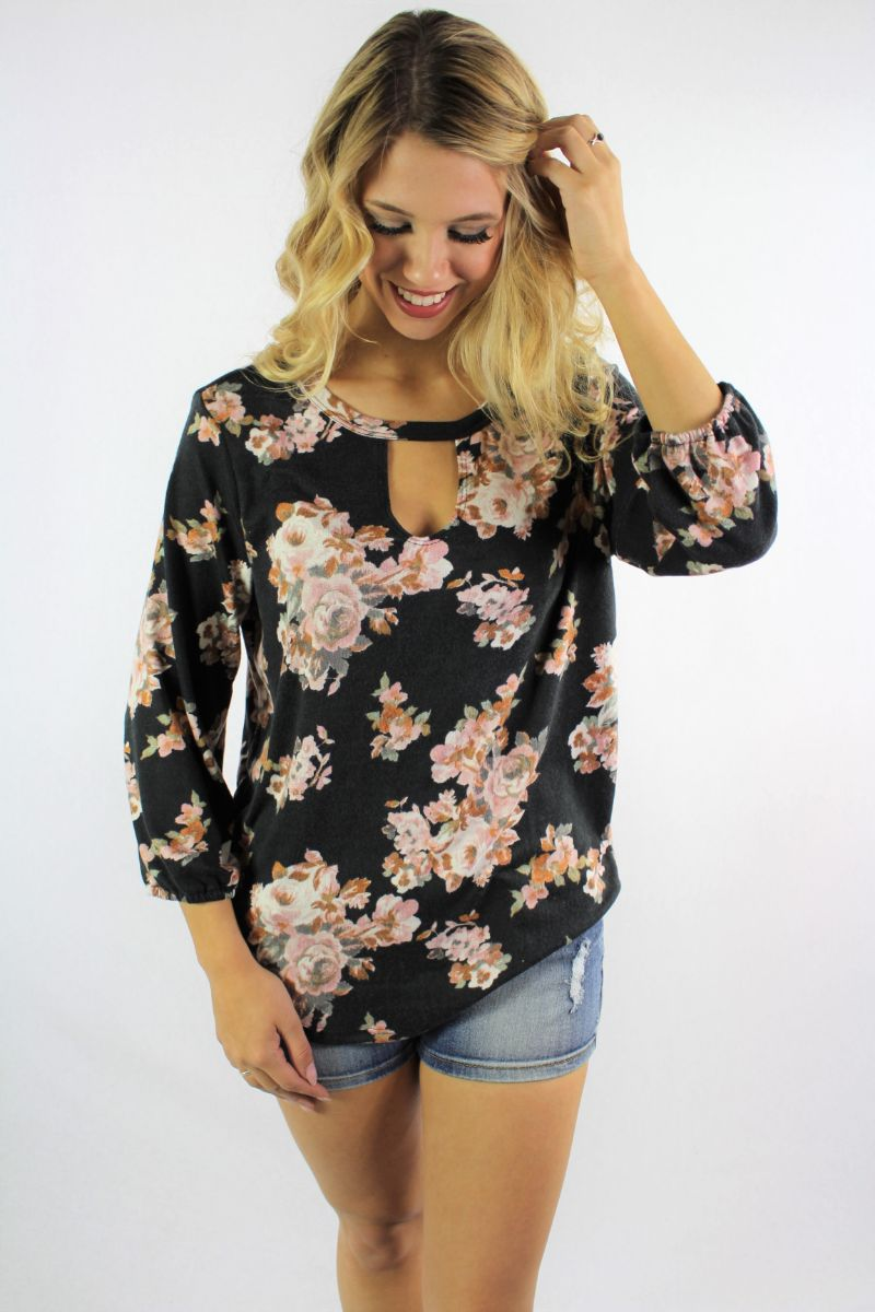 Women's 3/4th Sleeve Floral Print Keyhole Top