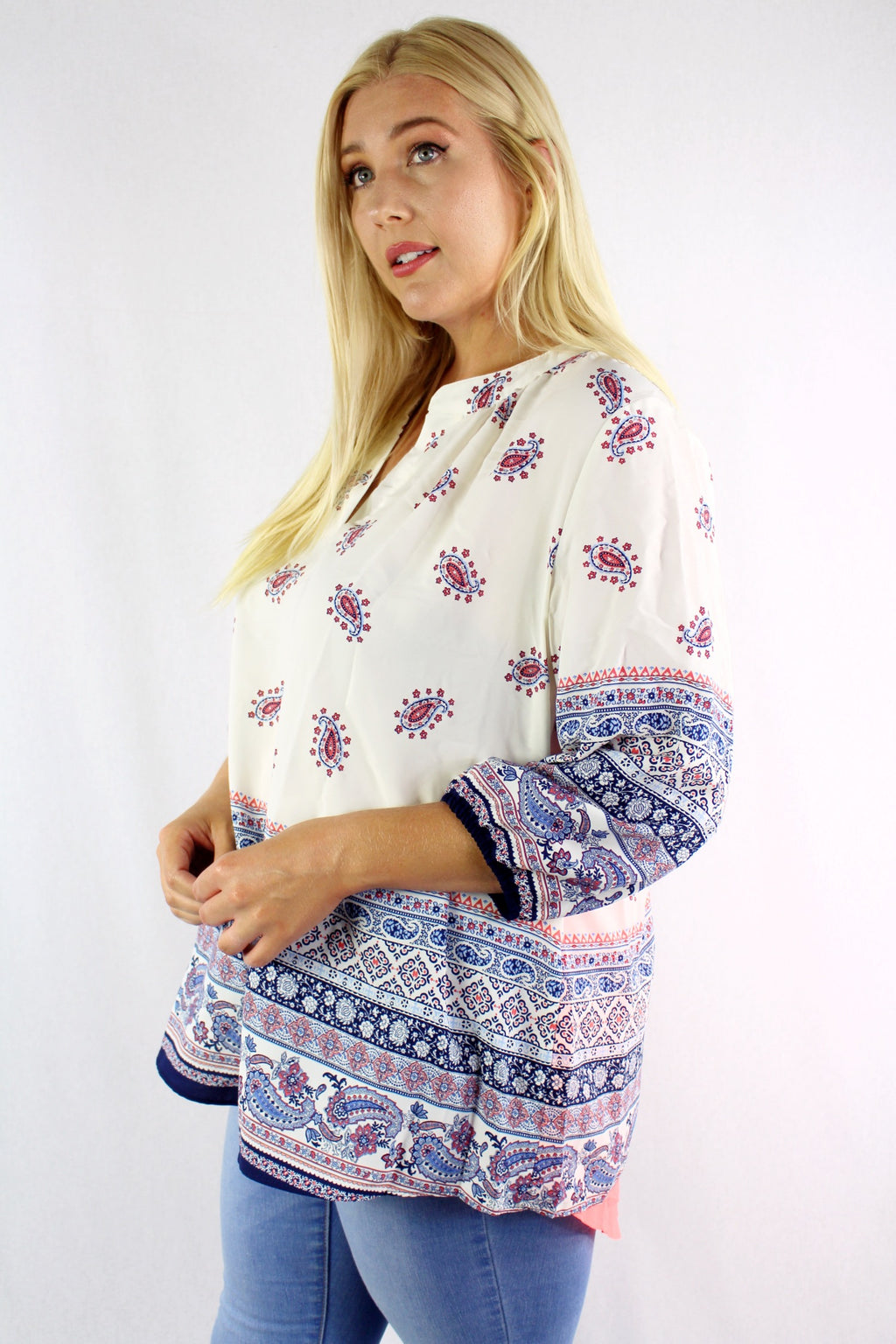 Women's Plus Size 1/2 Sleeve Printed Top with Back Slit