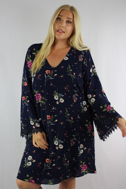Women's Plus Size 3/4th Sleeve Floral Dress