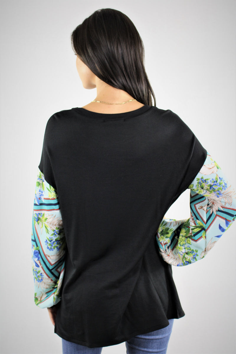 Round Neck Floral Sleeve Top