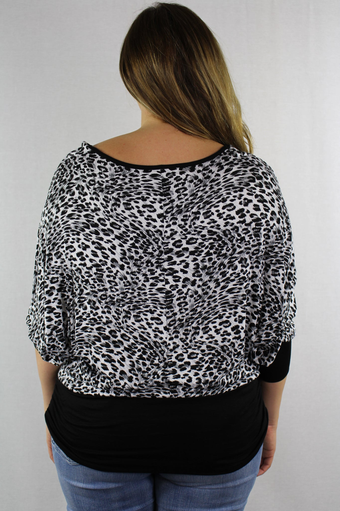 Plus Size Batwing Sleeve Leopard Print Top
