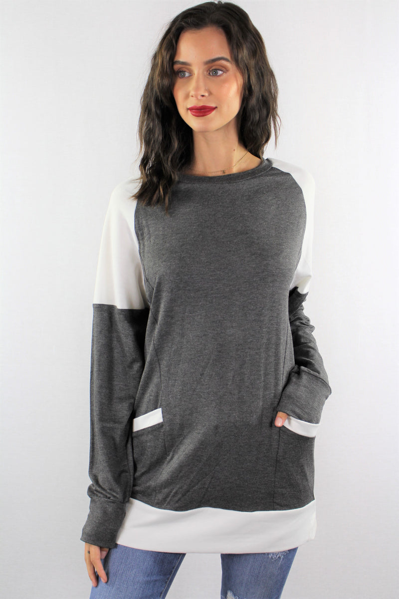 Long Sleeve Sweatshirt with Front Pockets