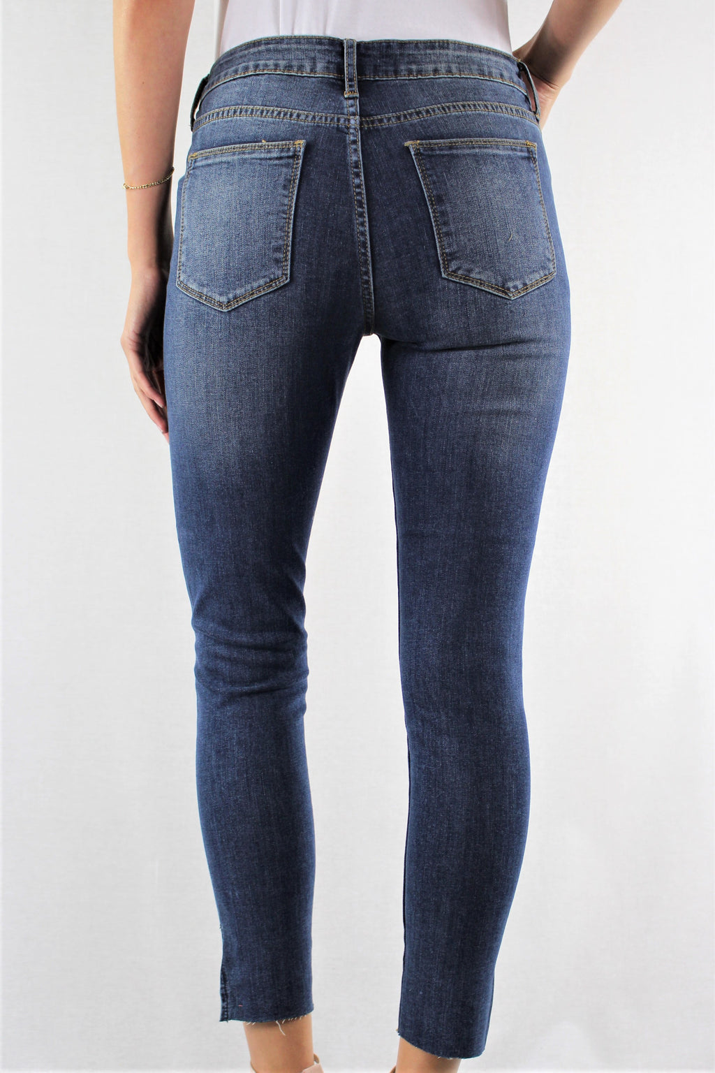 Skinny Jeans with Side Slit
