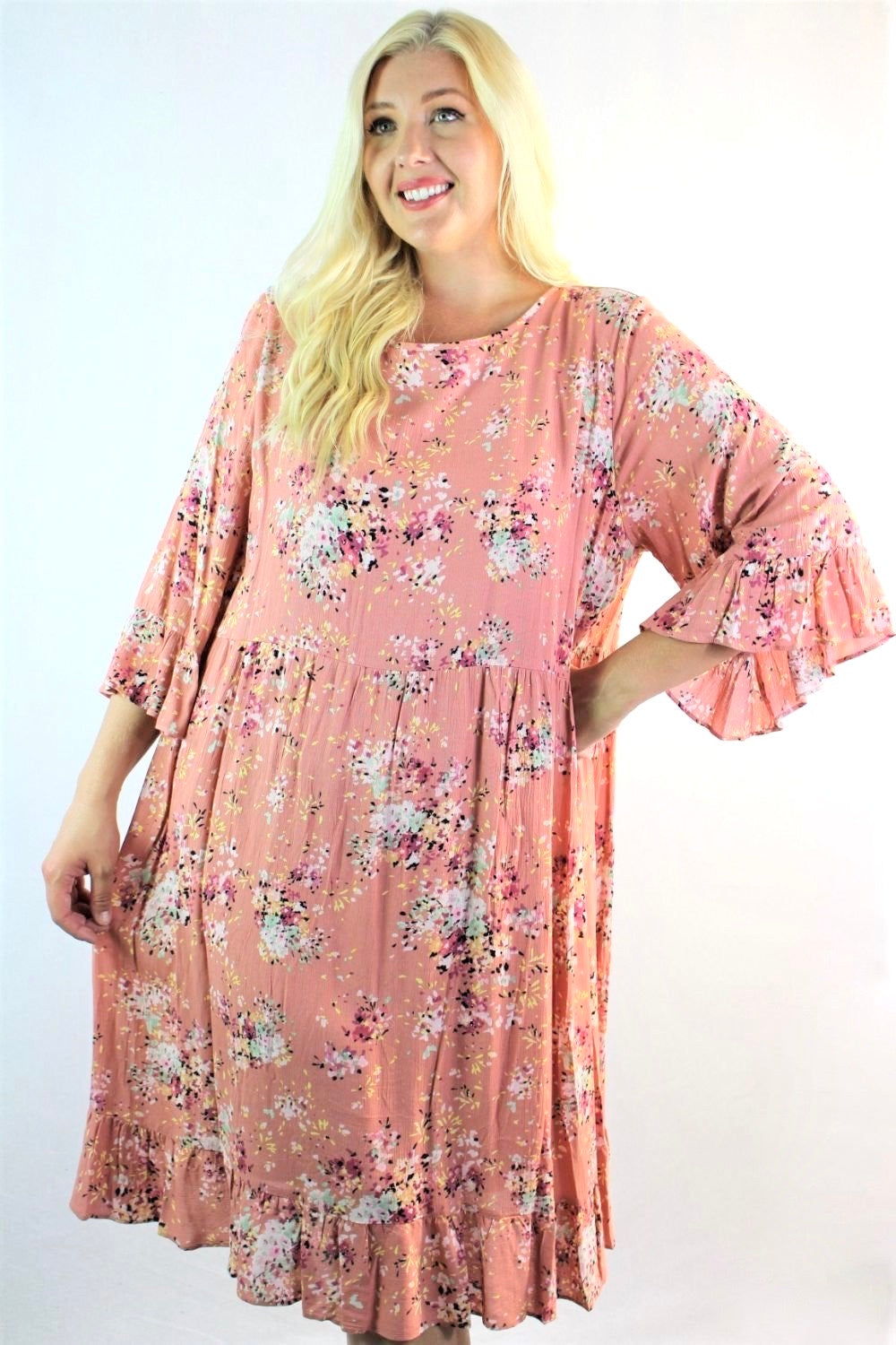 Women's Plus Size Floral Dress with Ruffled Hem