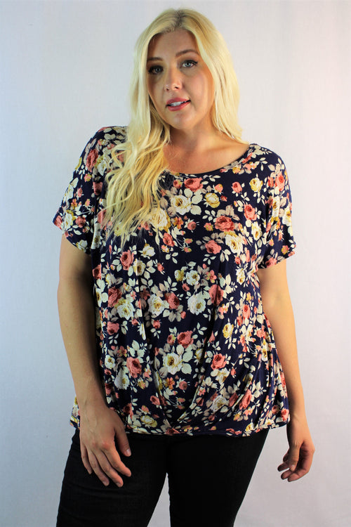 Women's Plus Size Relaxed Fit Floral Top