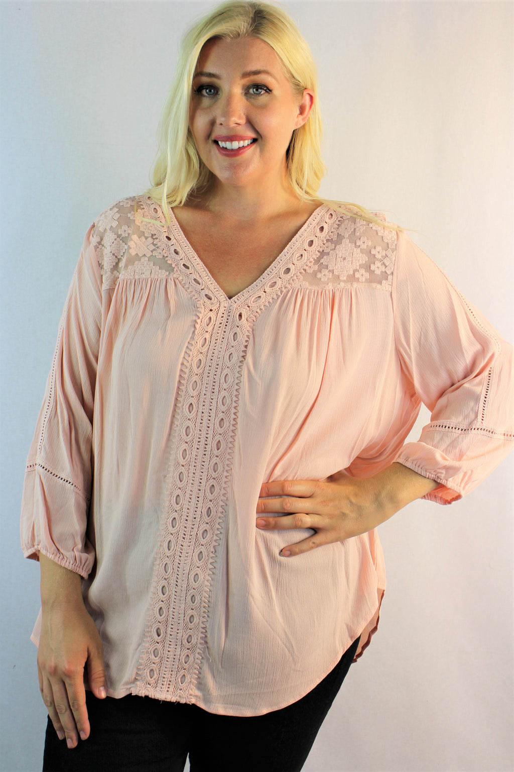 Women's Plus Size 3/4th Sleeve V Neck Top w/ Lace Detail