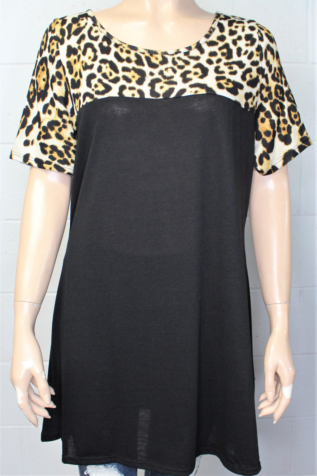 Women's Short Sleeve Tunic Dress with Animal Print
