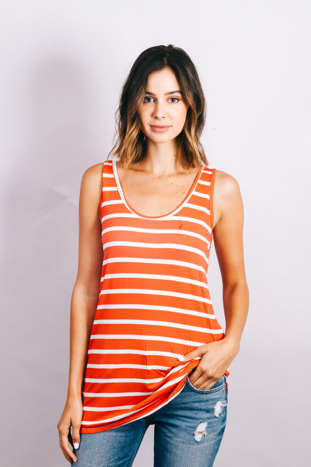 Coral strip pattern sleeveless top