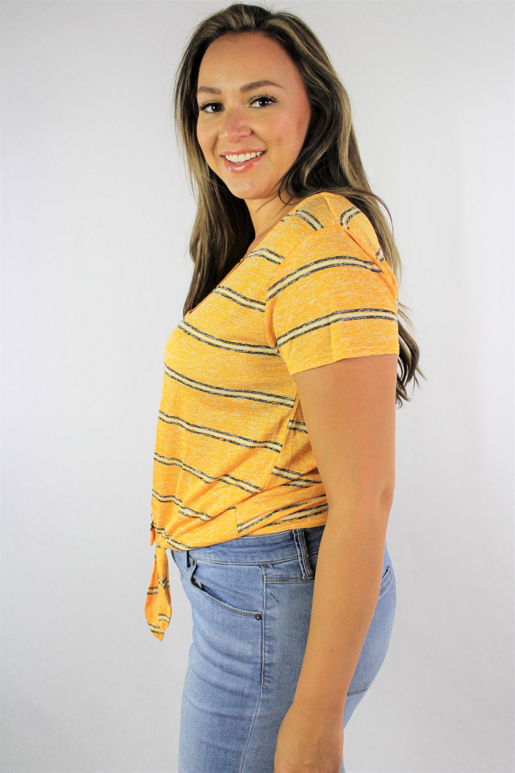 Women's Plus Size Short Sleeve V Neck with Front Knot and Button Detail
