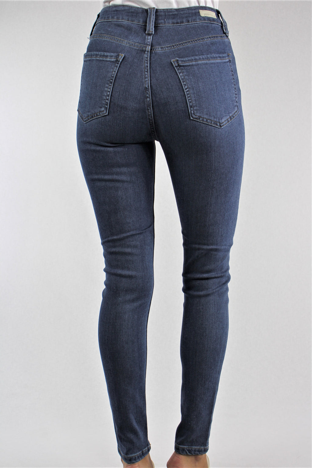 Women's Medium Wash Skinny Jeans