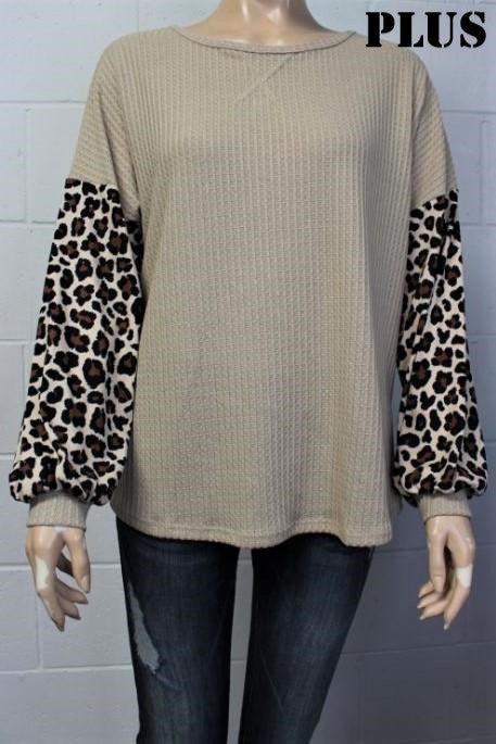 Women's Plus Size Animal Print Bishop Sleeve Loose Fit Top