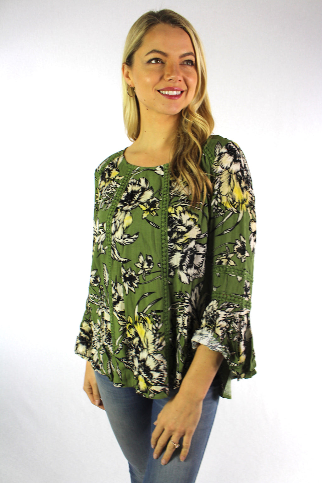 Women's 3/4th Bell Sleeve Round Neck Floral Top