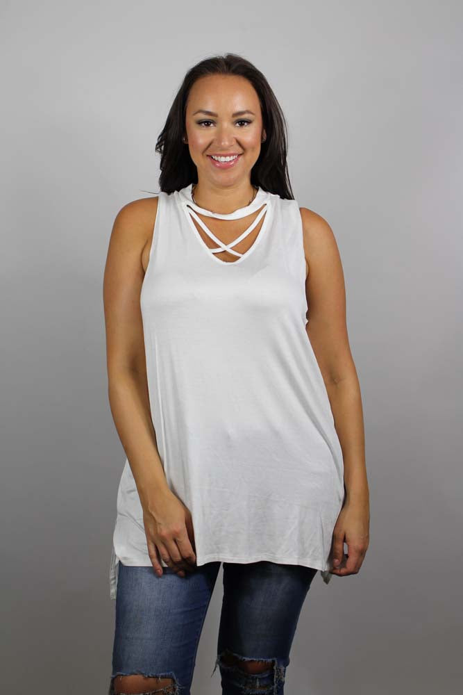 Women's Plus Size Sleeveless Crossed Tank