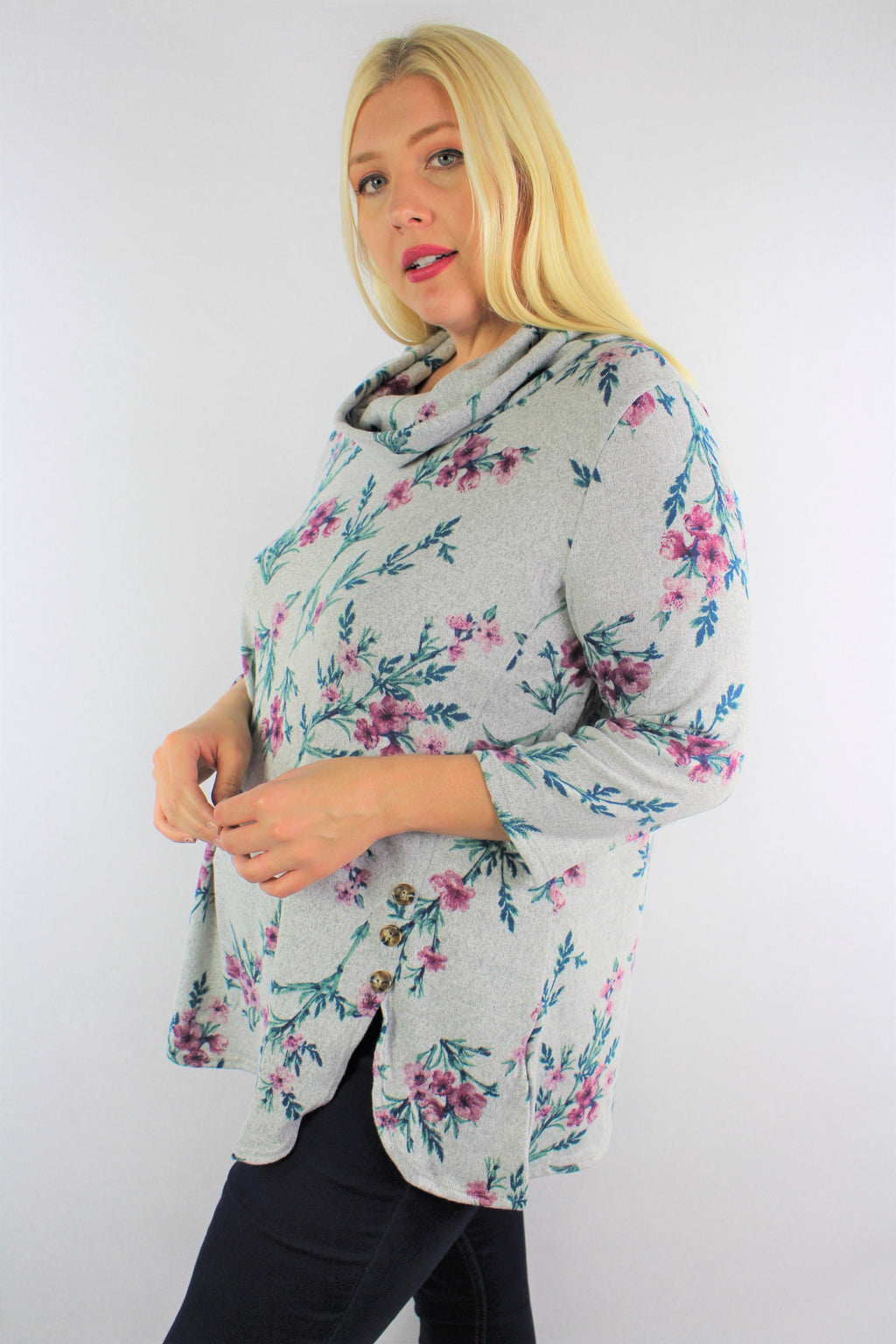 Women's Plus Size 3/4th Sleeve Floral Cowl Neck Top