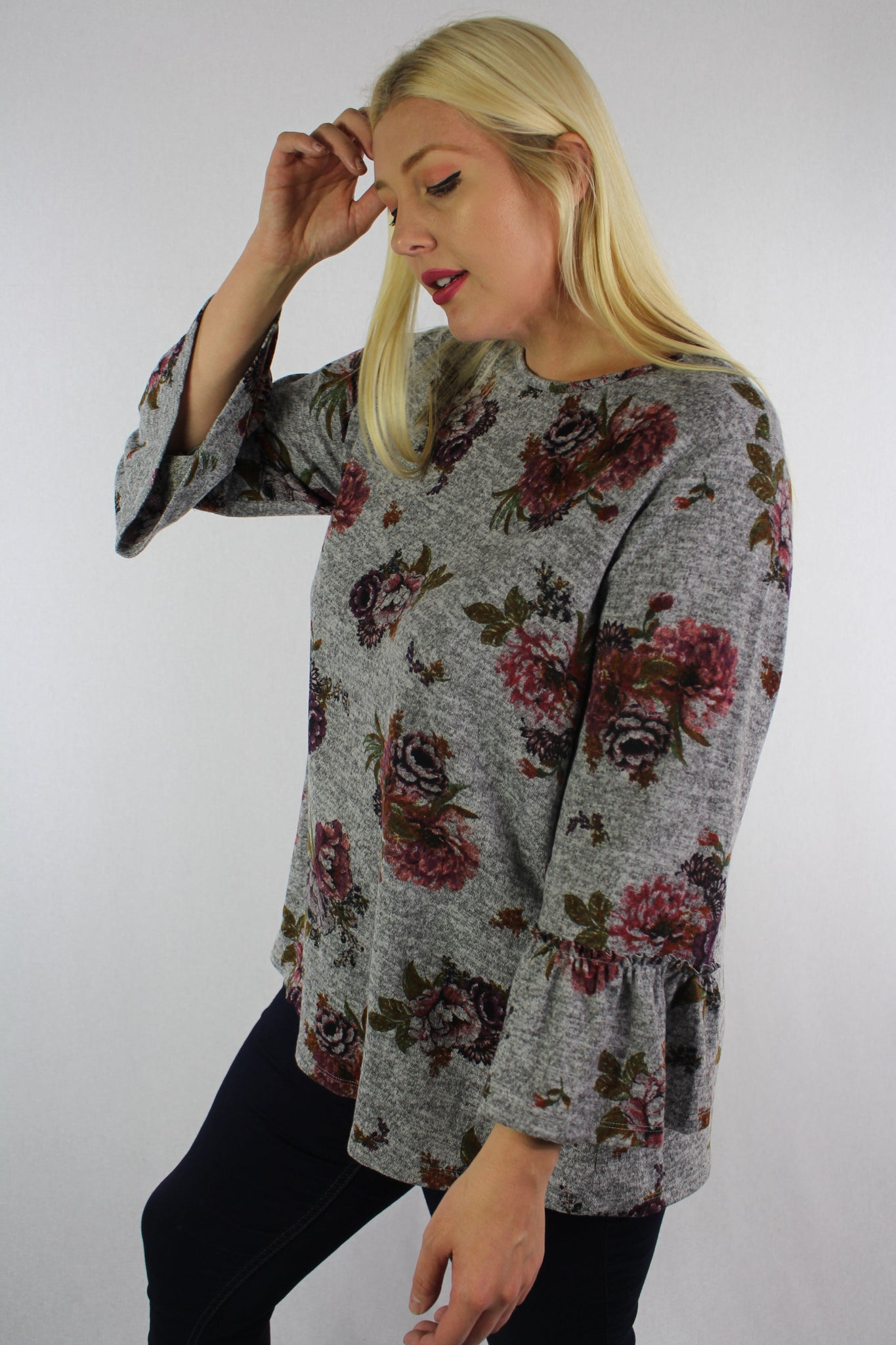 Women's Plus Size 3/4th Bell Sleeve Floral Top – Good ...