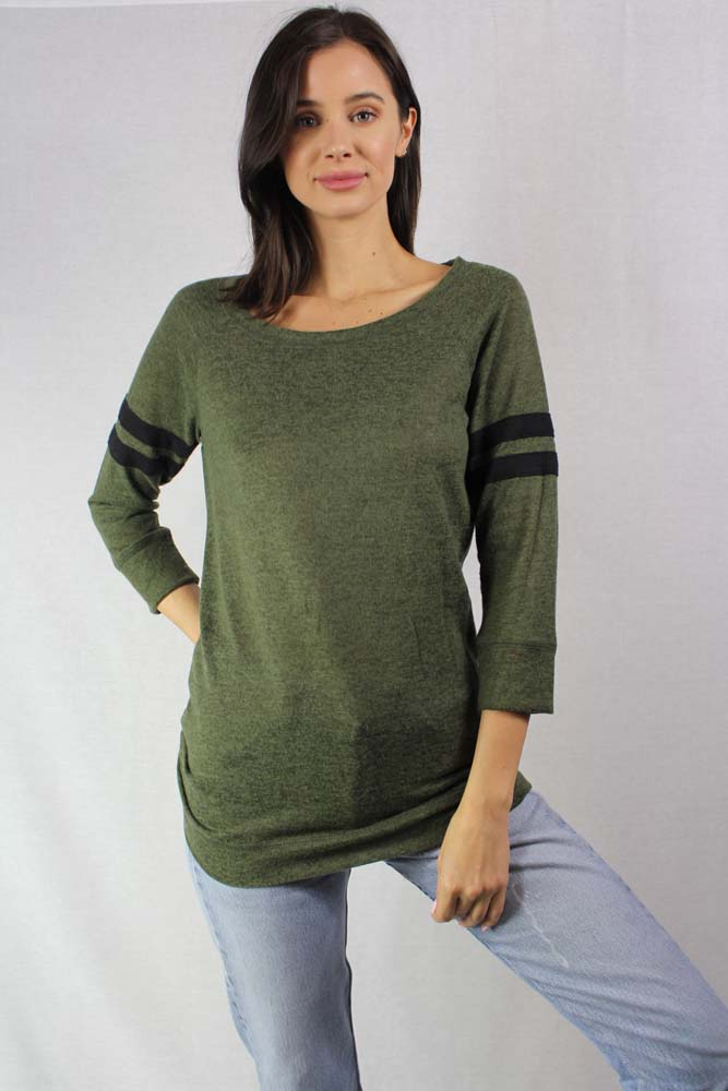 Women's Light Weight Knit Round Neck Top