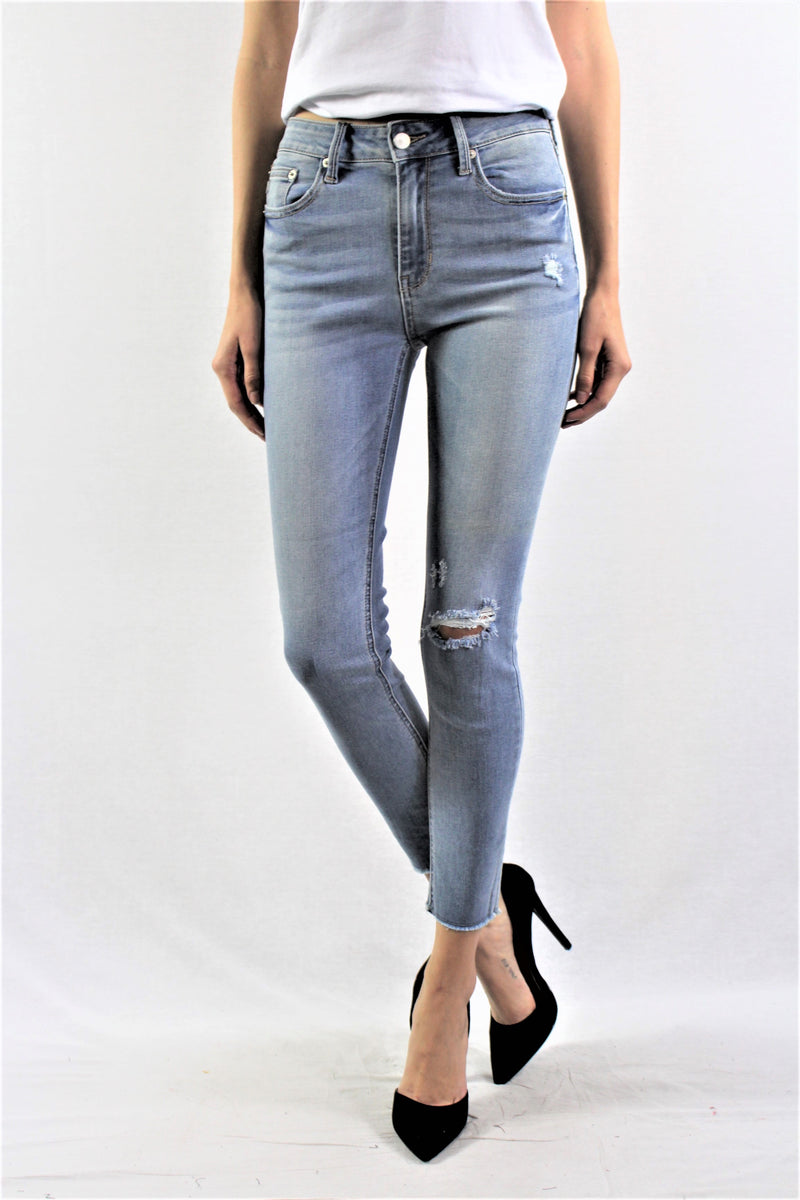 Light Wash Knee Ripped Jeans