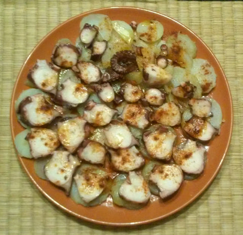Octopus with potatoes - Pulpo a Feira