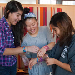 Students-with-friendship-bracelets