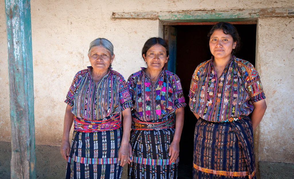 Three generations of Mayan weavers | Mayan Hands