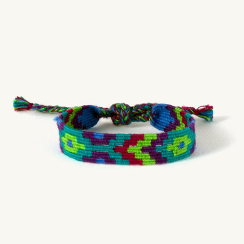 emma-friendship-bracelet