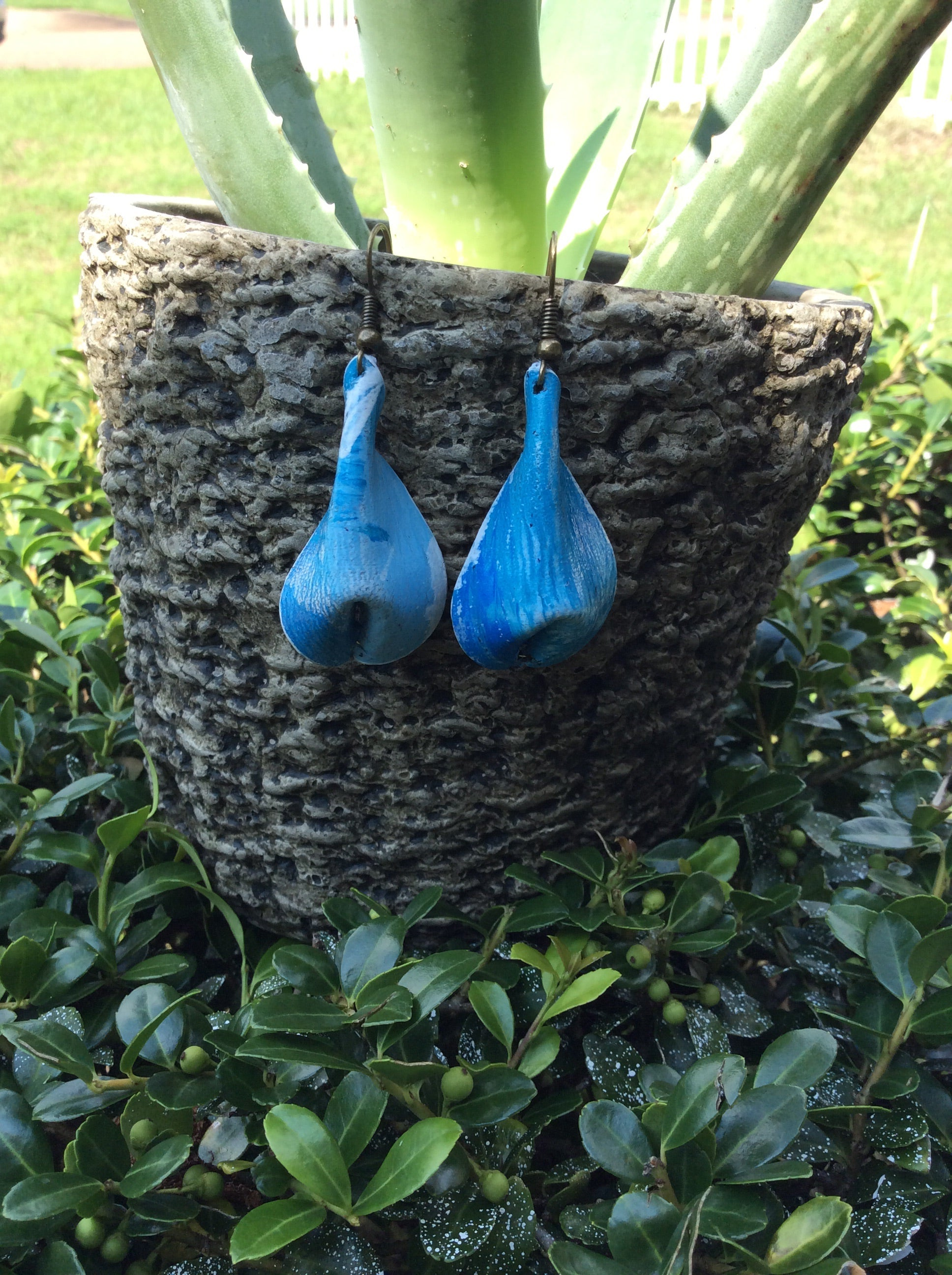Seagull Puff Leather Earrings