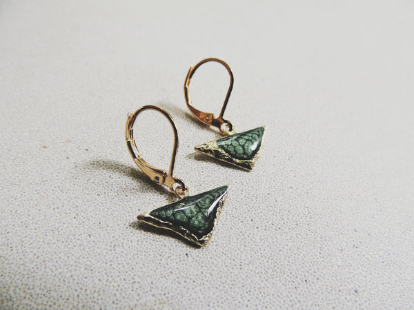 SALE-Reticulated Triangle Drops