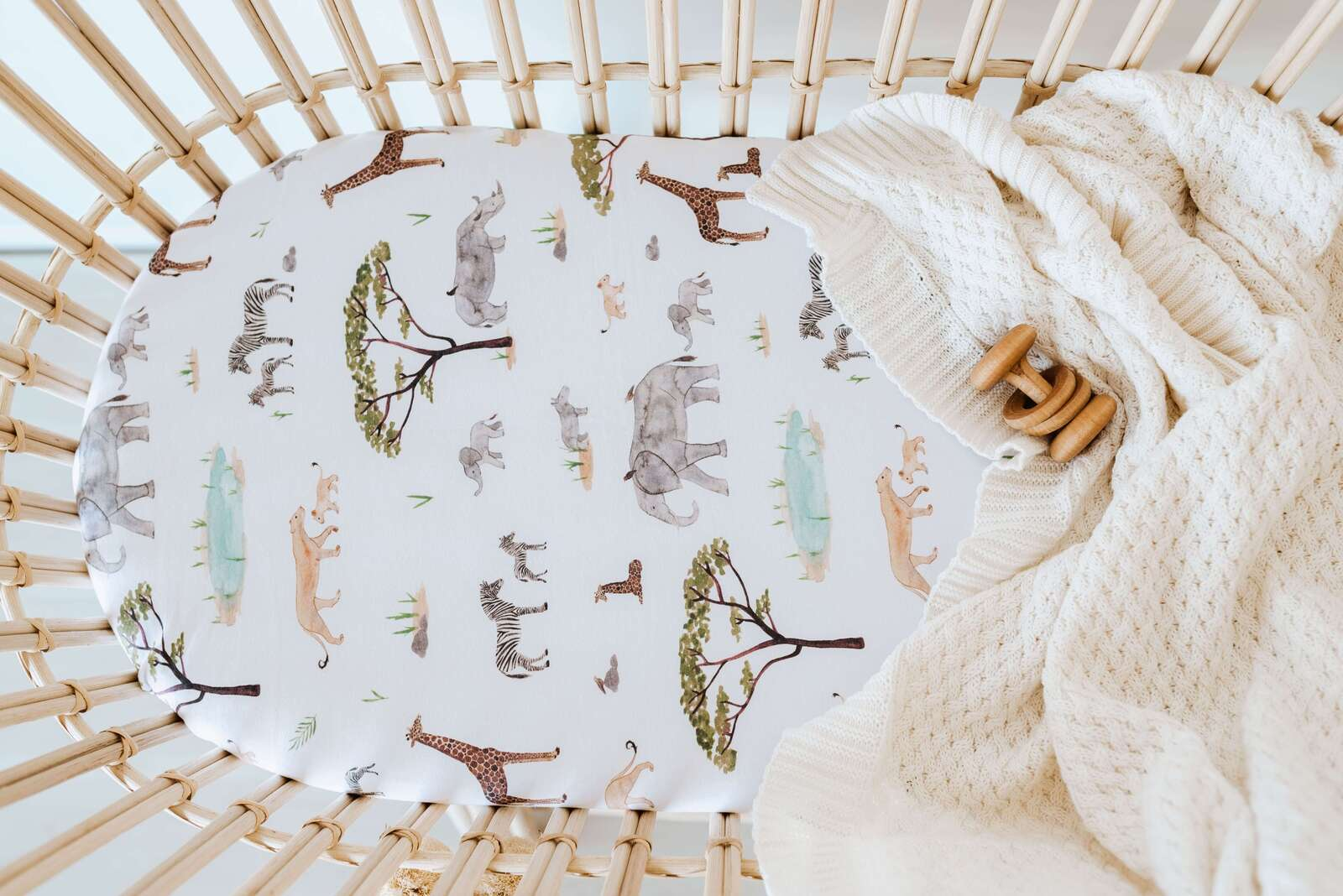 Snuggle Fitted Bassinet & Change Pad Cover - Safari - Angus & Dudley Collections