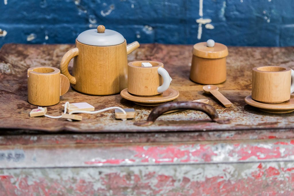 Tea set - Make Me Iconic - Angus & Dudley Collections
