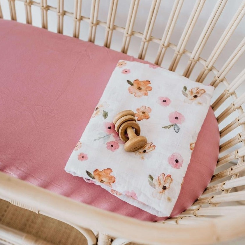 Snuggle Fitted Bassinet & Change Pad Cover - Rouge Pink