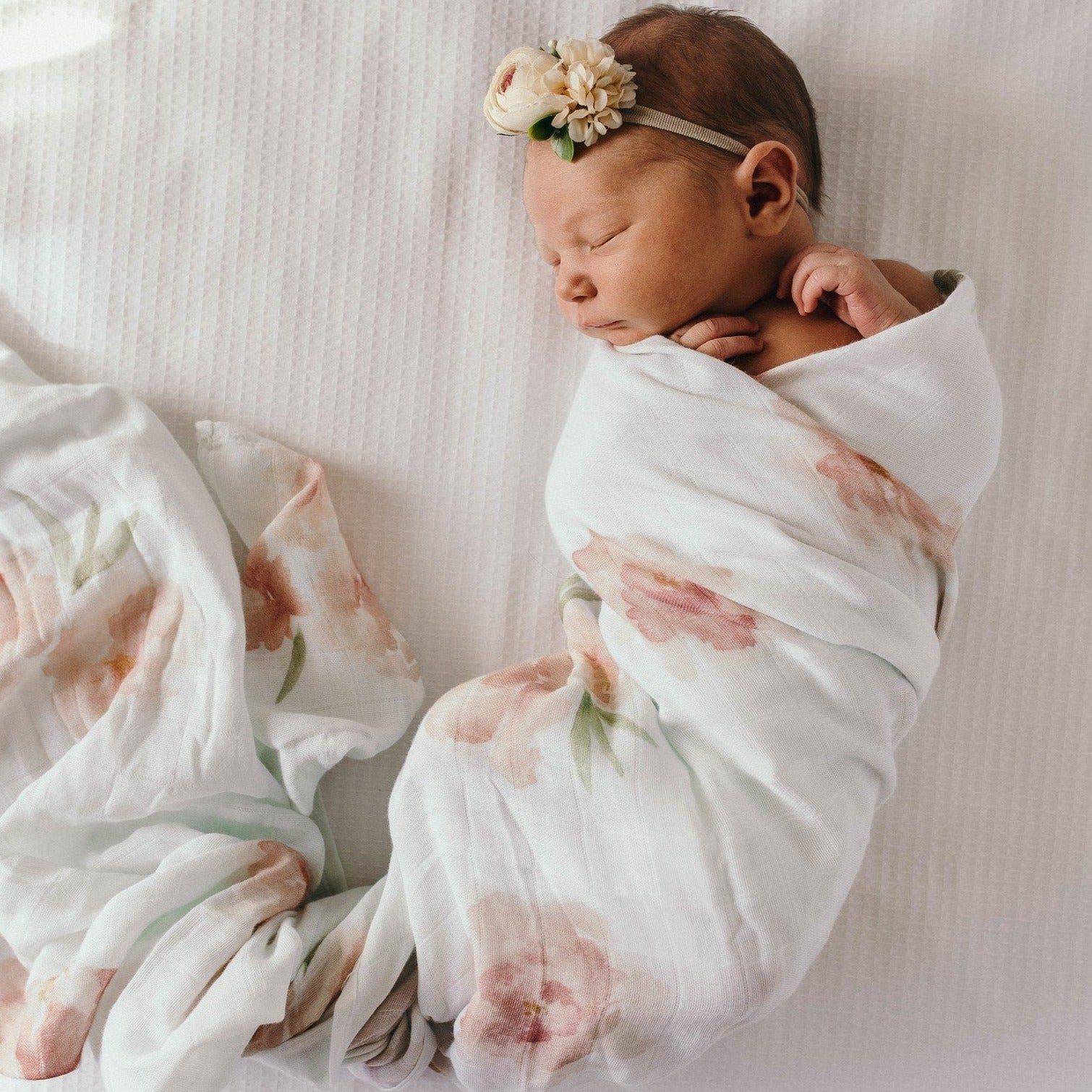 Snuggle Hunny Organic Cotton Baby Wrap/Swaddle - Sorbet Bloom