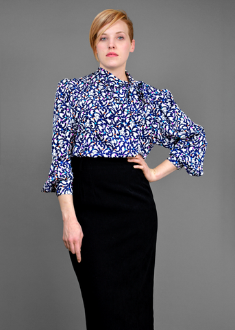 Vintage 70s Pussy Bow Blouse | 1970s Paisley Polka Dot Satin Secretary Blouse | Navy Blue White Rainbow Jacquard | Puff Sleeves | Office Fashion | Womens Size Medium M L Large | Red Plume Vintage Clothing